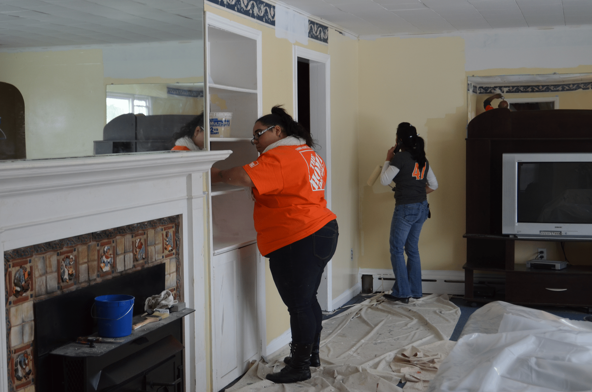 2015Jan28_Home_Depot_Repairs_Group_Home_In_Ewing_For_People_With_Disabilities_02