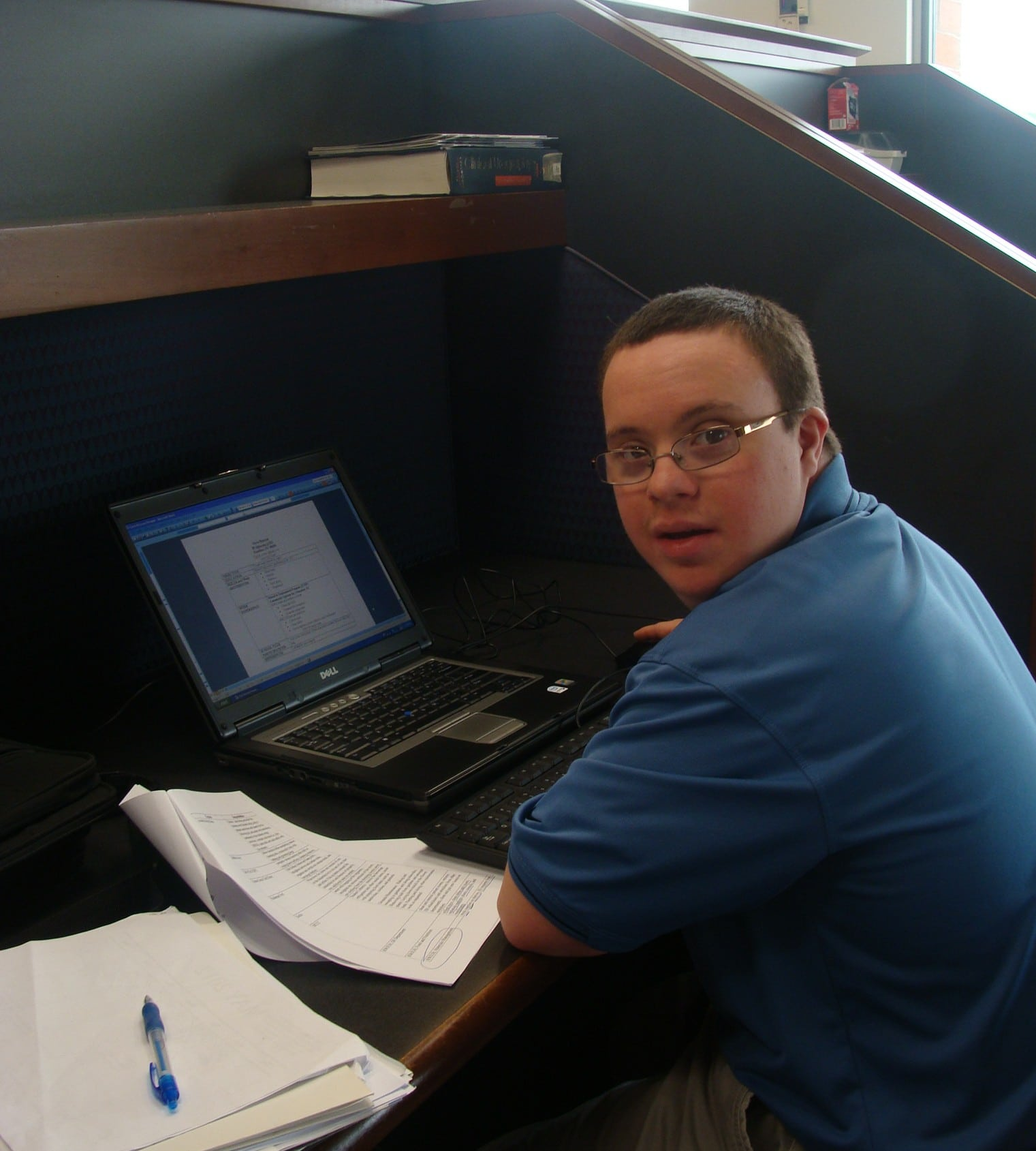 Chris, a STEP Participant, working on his resume.