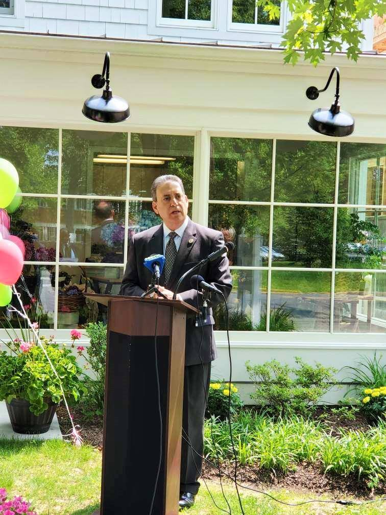 Assemblyman Roy Freiman - I am honored to have attended today's ribbon cutting ceremony for Vaseful's new Princeton location.
